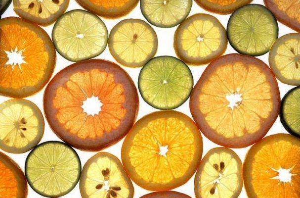 Вода та лимон — корисна та смачна вода з лимоном
