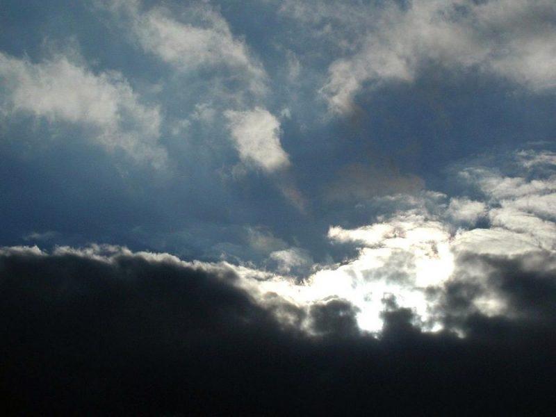 Дождевые облака By Paolo Neo [Public domain]_Wikimedia_Commons_https://commons.wikimedia.org/wiki/File%3ARain_clouds.jpg